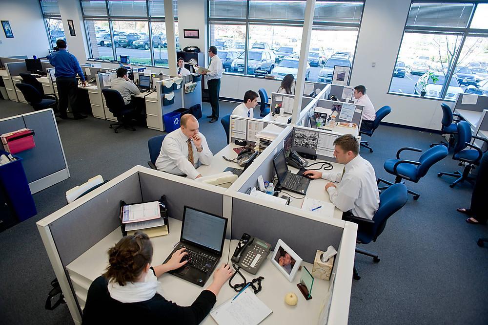 Companiile din IT&C sunt primele care închiriază spaţii noi de birouri