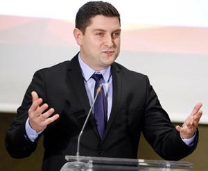 Ministrul Bogdan Cojocaru: E nevoie de un număr mai mare de specialişti pentru a face faţă cerinţelor din industria IT