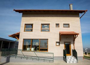 HempFlax și Carmeuse lansează Casa Verde Cânepă – proiect complementar Casa Verde Plus prin care oferă zidărie din cânepă și var pentru încă trei case