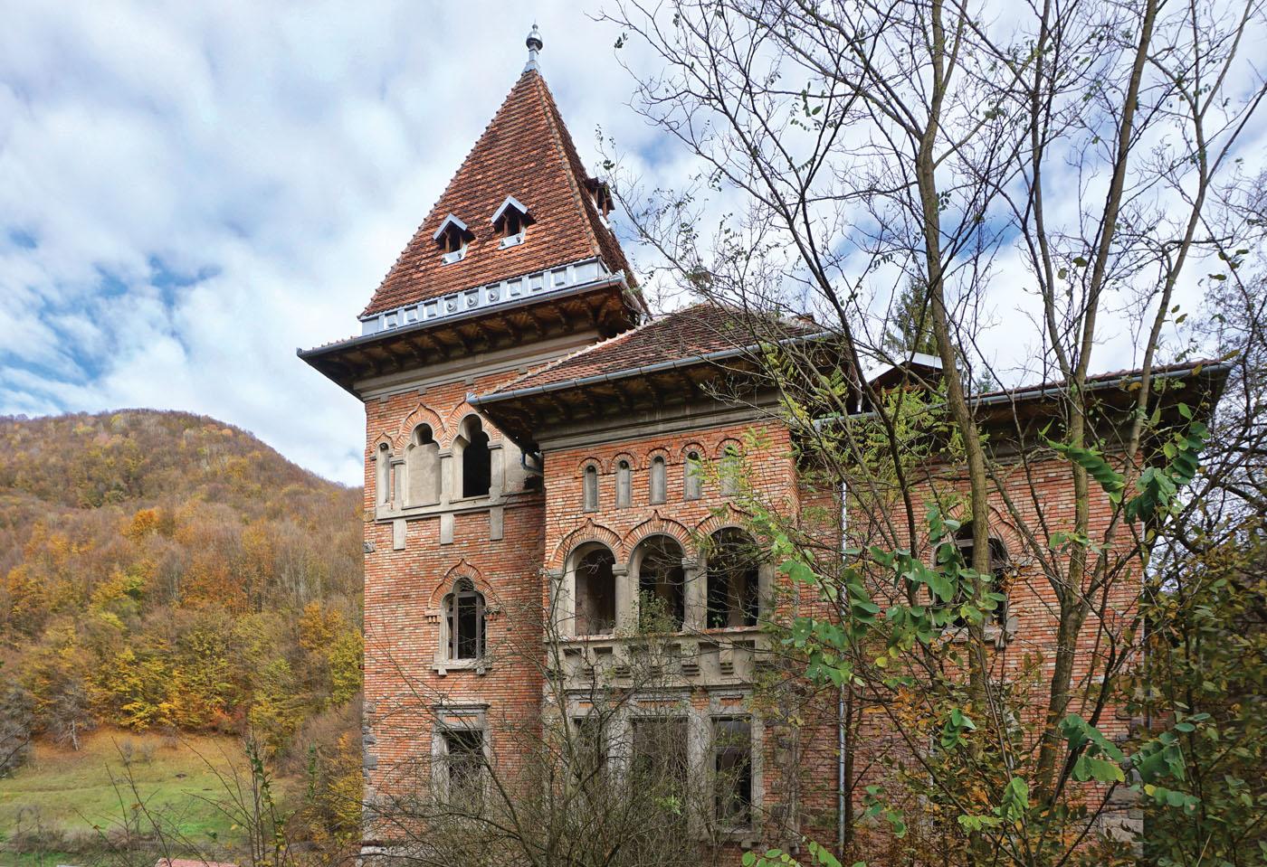 Câți bani îți trebuie ca să cumperi un castel în Transilvania?