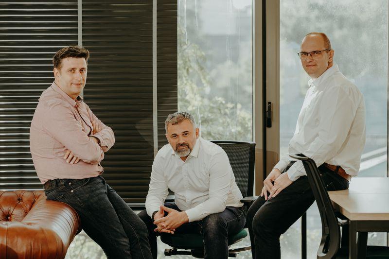 Comarket, marketplace B2B care digitalizează industria ospitalităţii dezvoltat de trei antreprenori români, caută finanţare de 240.000 euro pe SeedBlink