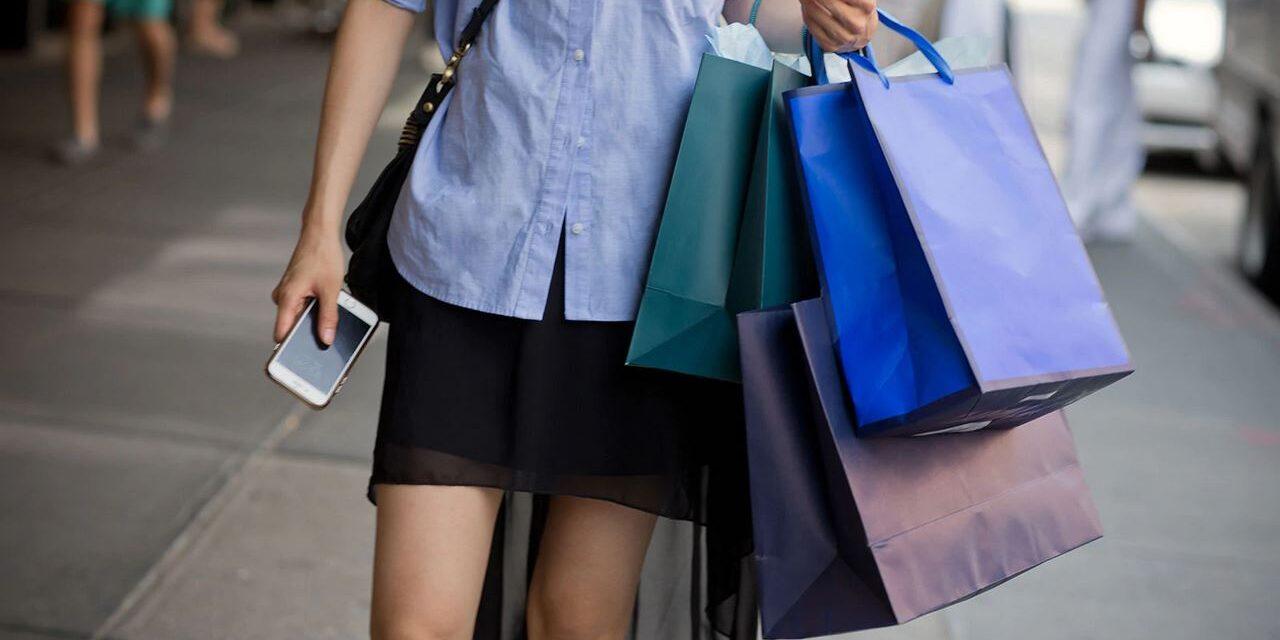 Produsele eco și cele prietenoase cu mediul atrag tot mai mulți consumatori, însă tinerii rămân sceptici