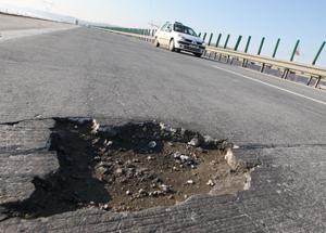 România are cele mai proaste drumuri din UE, deși cheltuiește sume uriașe