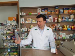 La 28 de ani, un farmacist român are propria linie de produse dermato-cosmetice şi concurează cu brandurile consacrate