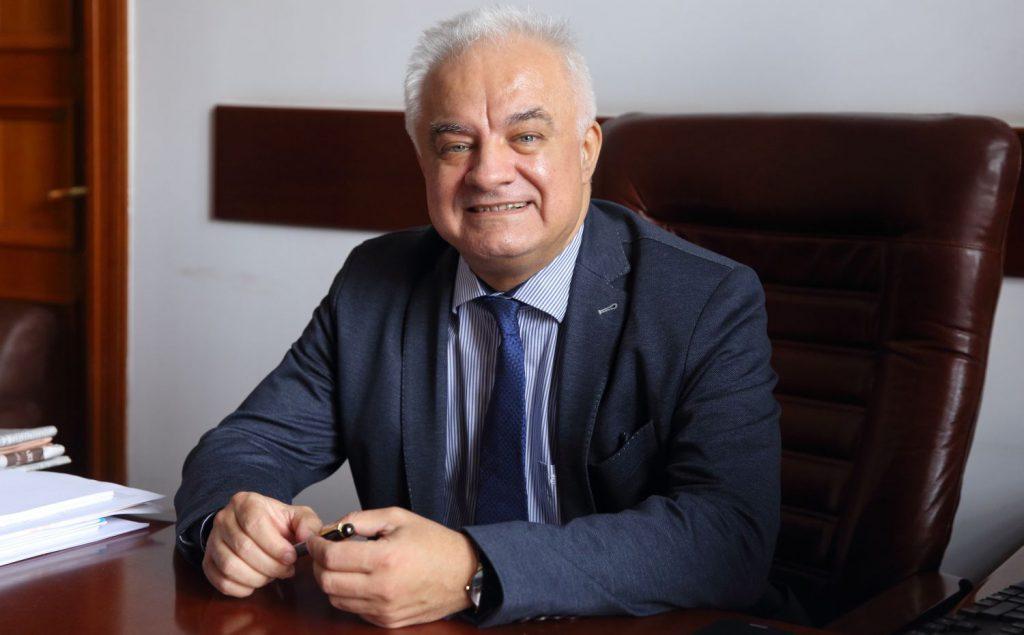 Eugen Rădulescu (BNR): Firme-gigant la nivel mondial se pregătesc să intre pe piaţa bancară din România şi vor produce adevărate cutremure
