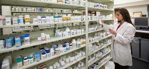 Consiliul Concurenţei susține că medicii recomandă medicamente scumpe şi anumite farmacii, fiind sponsorizaţi de companiile din domeniu