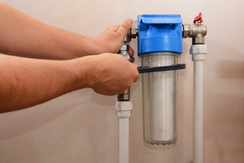 """Vânzările de filtre de apă au """"explodat"""" în 2020"""