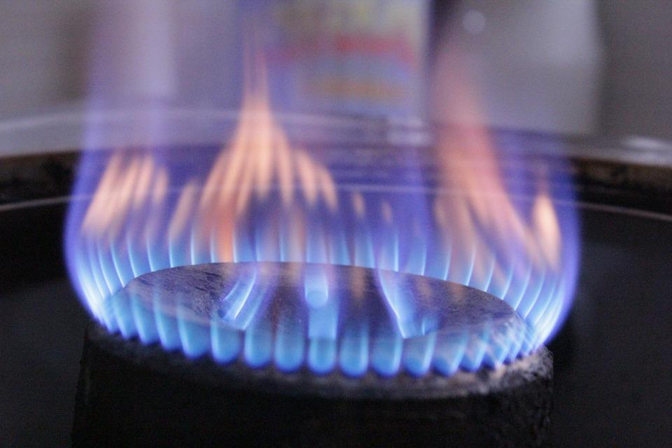 Asociaţia Energia Inteligentă avertizează că 40% dintre consumatorii români riscă să rămână fără gaze la iarnă