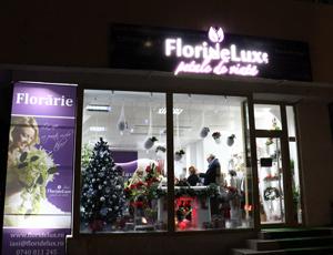 Românii pot comanda flori și cadouri de la FlorideLux prin WhatsApp