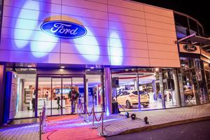 Ford România a inaugurat primele două showroomuri de lux