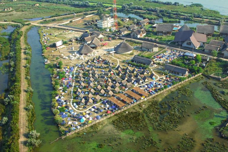Grupul Eurolines devine proprietarul campingului Green Dolphin din Delta Dunării