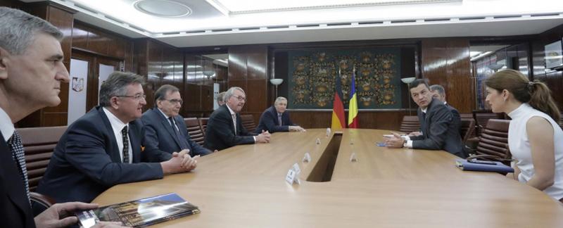 Premierul Grindeanu a discutat cu preşedintele ALLEA despre proiectul unui campus medical universitar la Bucureşti