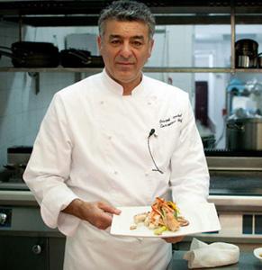 """Chef Joseph Hadad şi-a lansat cartea """"În bucătăria lui Joseph"""""""