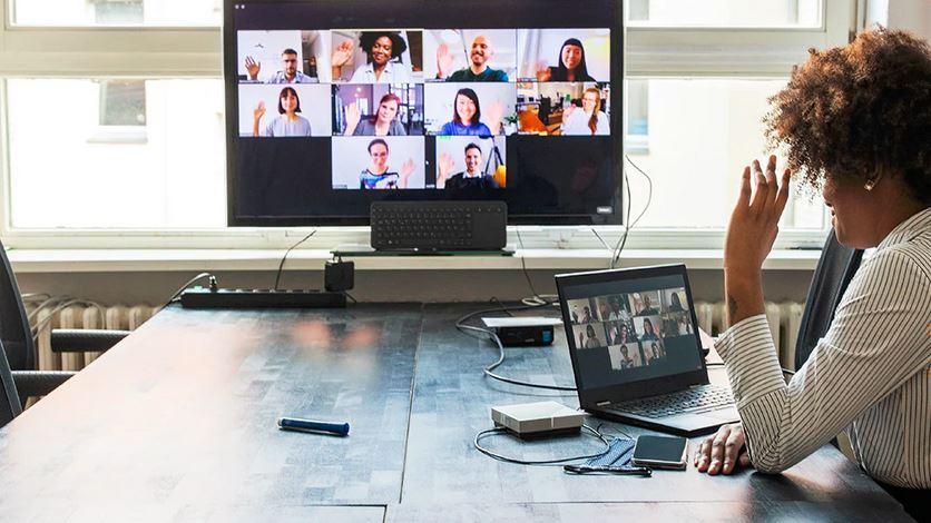 Doar un angajat din 10 care lucrează remote vrea să revină la birou