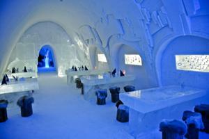 Singurul hotel de gheaţă din România a fost rezervat integral pentru 2016 înainte de a fi gata