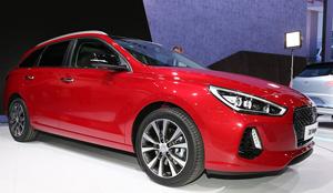 Noua generaţie Hyundai i30 Wagon impresionează prin dimensiunile generoase și un pachet de siguranţă complex