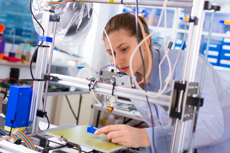 Industria din România a intrat în contracţie puternică, în decembrie 2019