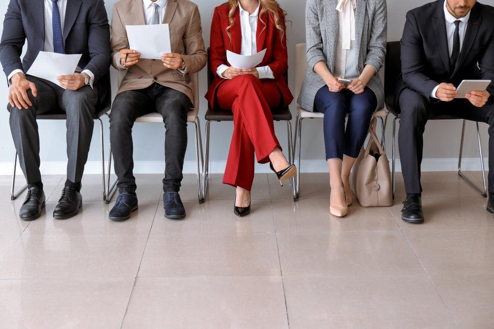 Majoritatea celor care îşi caută un loc de muncă în România sunt din Bucureşti, Timiş și Braşov