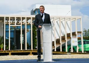 Klaus Iohannis: Inovaţia în domeniul construcţiilor este extrem de importantă; avem cele mai mici locuinţe din UE