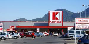 Clienţii Kaufland îşi vor putea scana singuri produsele, ca să evite cozile de la casă