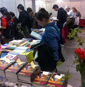 Pachete de cărţi la preţuri promoţionale şi reduceri de până la 90% la Kilipirim