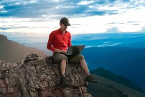 Noua dietă de business: consumă mai puţină hârtie cu biroul digital
