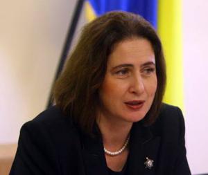 """Gilda Lazăr (JTI România): """"Noul Cod Fiscal prevede creşterea accizelor pentru ţigarete"""""""