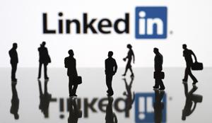 LinkedIn este platforma de socializare preferată a liderilor companiilor româneşti