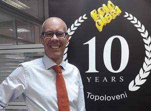 Gold Plast produce la Topoloveni 800 milioane de piese de veselă de unică folosință pe an