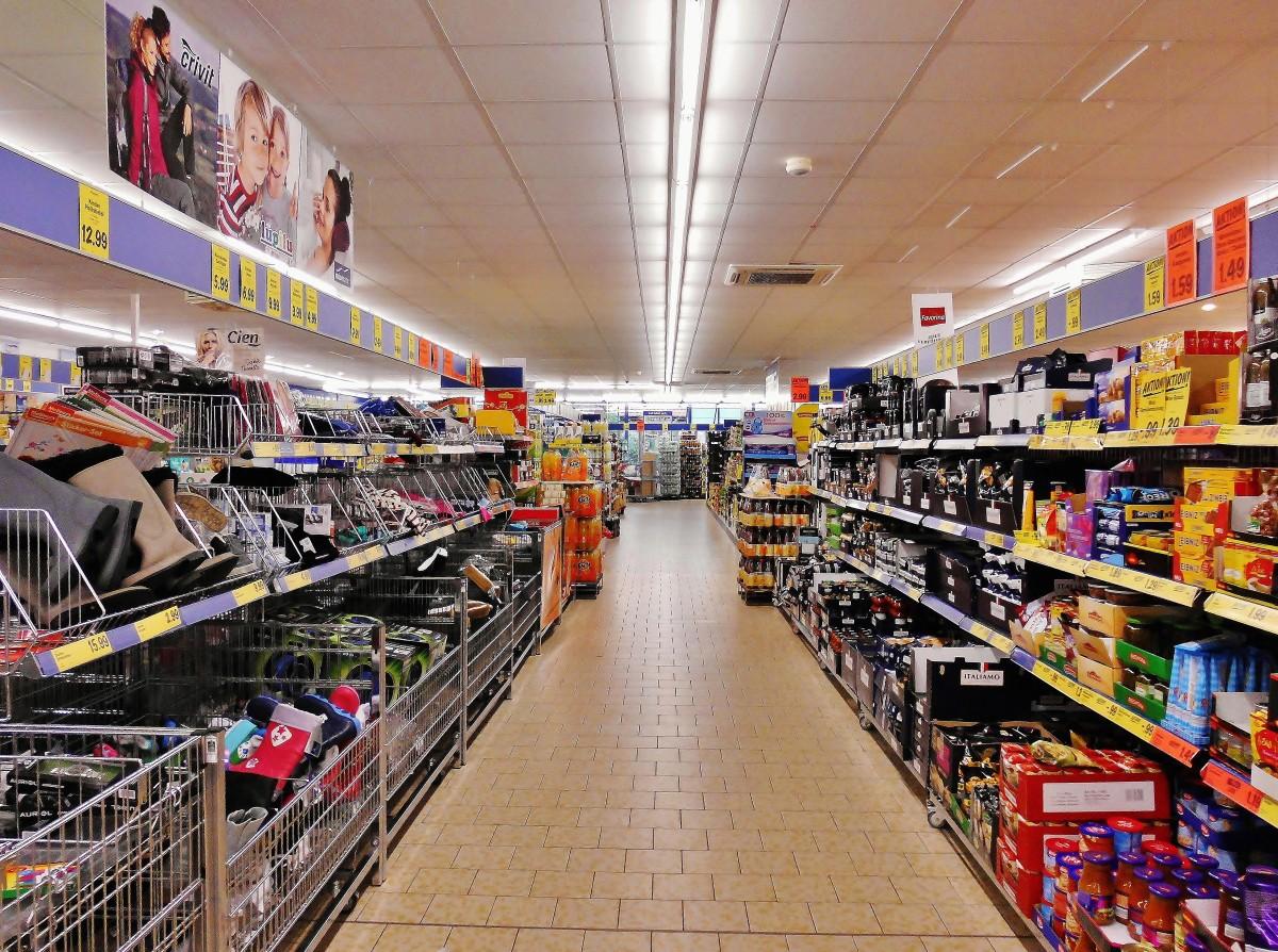 Vânzările retailerilor de produse nealimentare au revenit la nivelul de dinainte de criză