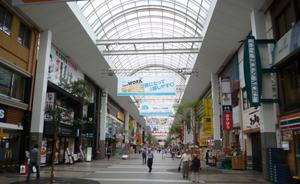 Retailerii non-alimentari solicită suspendarea temporară a contractelor conexe dintre comercianţi şi proprietarii centrelor comerciale