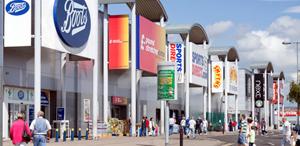 Proprietarii de spaţii comerciale sunt în pericol după ce tot mai mulți retaileri refuză să plătească chirii