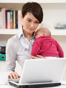 Persoanele ce revin mai devreme în activitate ar putea primi 50% din indemnizaţia de creştere a copilului