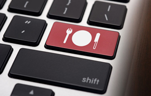 Online-ul a început să domine piaţa locală de food ordering