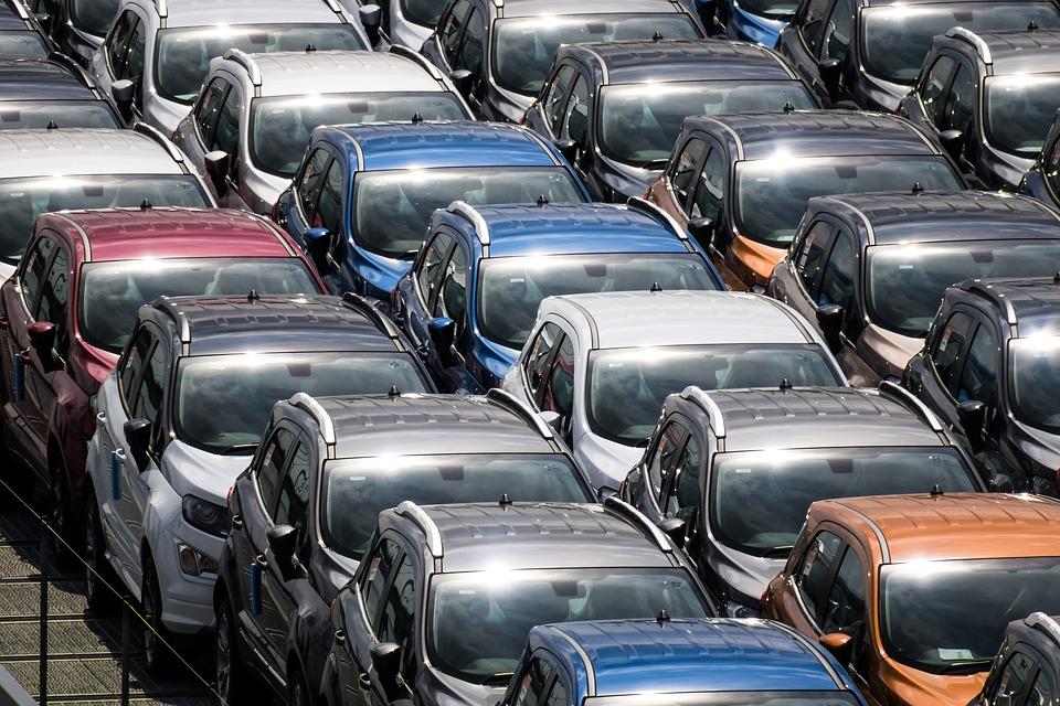 UE se pregăteşte să decreteze sfârşitul maşinilor diesel şi pe benzină