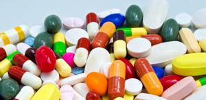Persoanele juridice autorizate să elibereze medicamente ar putea să facă şi distribuţie angro