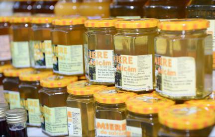 Importurile de miere ieftină afectează producătorii locali