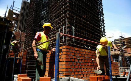 In luna iunie numarul autorizatiilor de construire a crescut cu 3,1% la nivel national