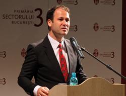 Primarul Robert Sorin Negoiţă a fost ales preşedinte al Asociaţiei Municipiilor din România
