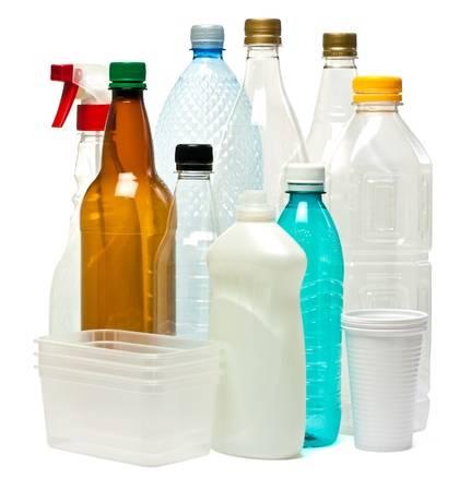 Obiectele din plastic de unică folosinţă ar putea fi complet interzise din 2021