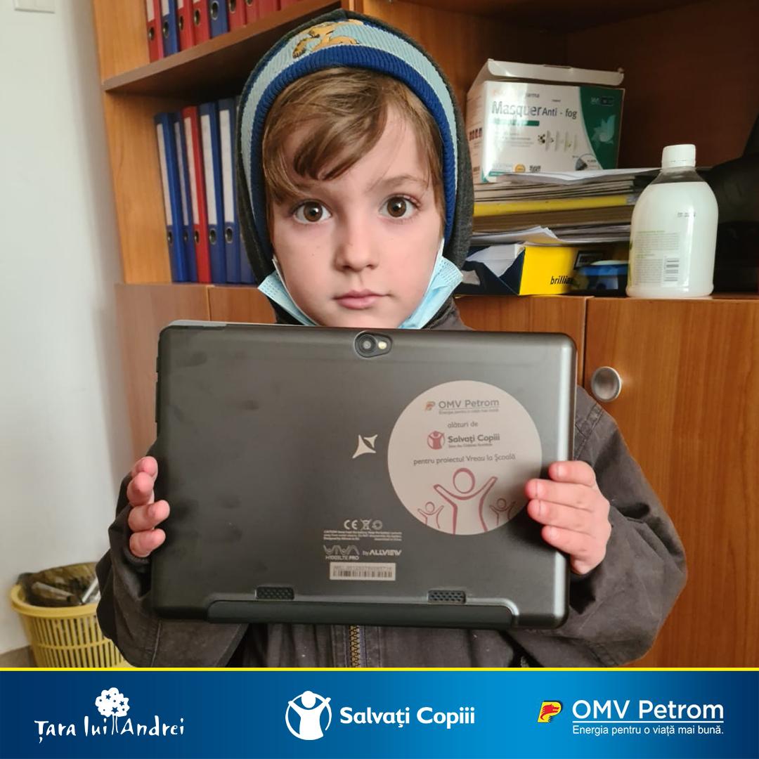 """OMV Petrom susține cu 300.000 de euro programul """"Vreau la școală"""", inițiat de Organizația Salvați Copiii"""