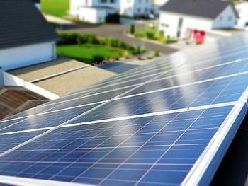 Programul de instalare de panouri fotovoltaice cu subvenție, un fiasco