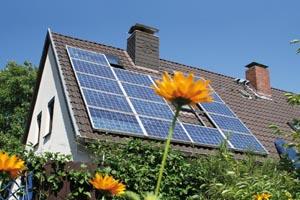 Ce trebuie să faceți ca să obțineți finanțare de la stat pentru montarea de panouri solare sau pompe de căldură