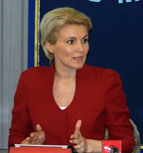"""Deputata Andreea Paul avertizează că piaţa românească de RCA se transformă într-o """"bombă cu ceas"""""""