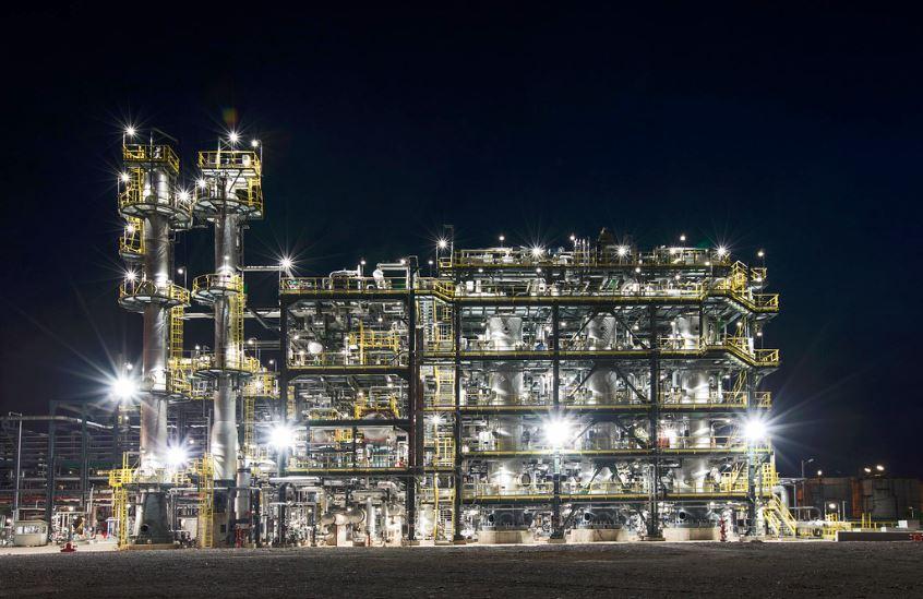 OMV Petrom a investit 1,5 milioane de euro în sistemul de iluminat al rafinăriei Petrobrazi