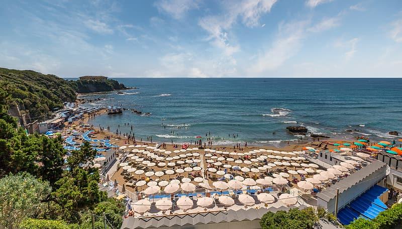 Hotelierii din Grecia aşteaptă anul acesta 700.000 de turişti români, la jumătate faţă de un sezon normal