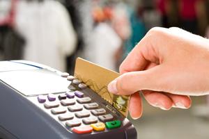 Instituţiile publice care încasează impozite, taxe, amenzi vor fi obligate să accepte şi plata cu cardul
