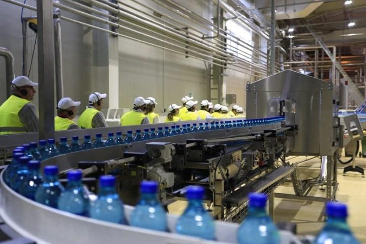 Coca-Cola a inaugurat o nouă linie de îmbuteliere a apei la fabrica din Poiana Negrii