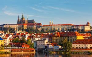 Românii au dat de gustul city break-urilor în străinătate