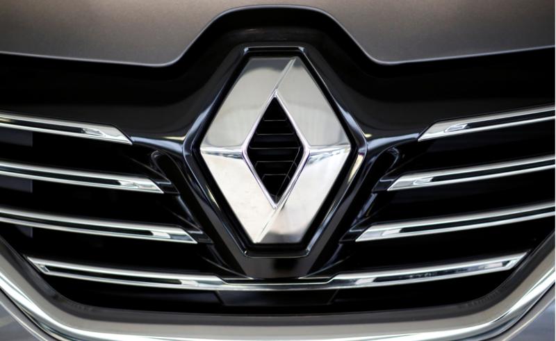 Renault suspendă producţia la mai multe uzine, inclusiv în România, din cauza lipsei de cipuri